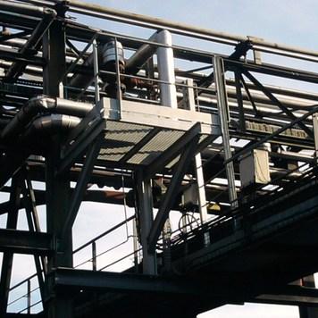Passerelle C.T.M.I : construction de structures métalliques et charpente métallique à Le Teich
