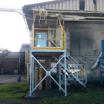 Plateforme escalier C.T.M.I : construction de structures métalliques et charpente métallique à Le Teich
